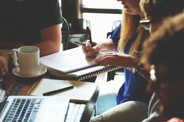 zmiany w umowach o pracę na czas określony - blog biura księgowego efectivo