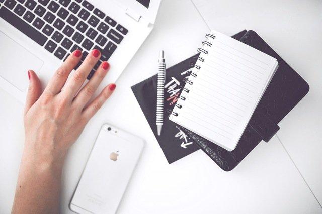 praca na etacie a własna działalność - blog biura księgowego z Krakowa
